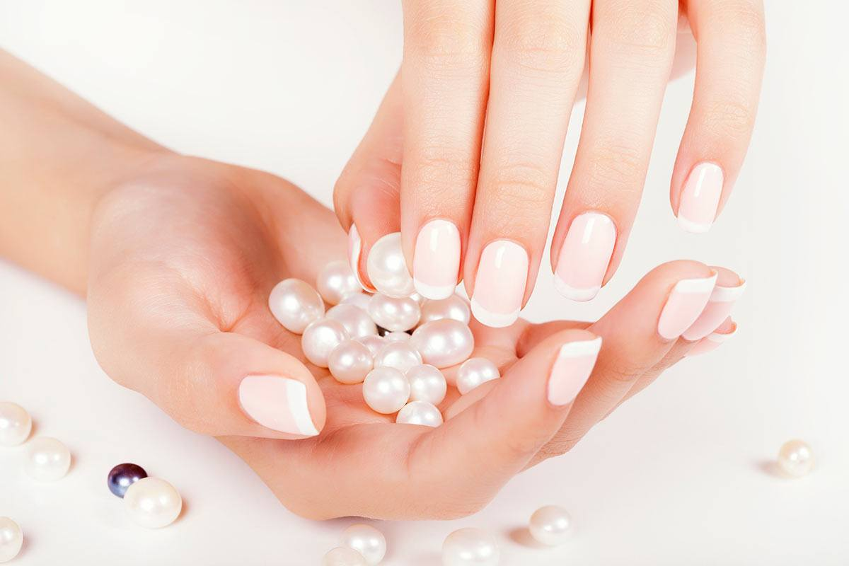 New French Manicure Designs To Modernize The Classic Mani