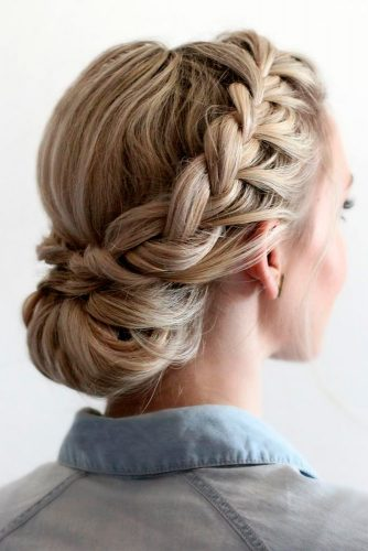 Nice Updos for Delicate Prom Look picture 3