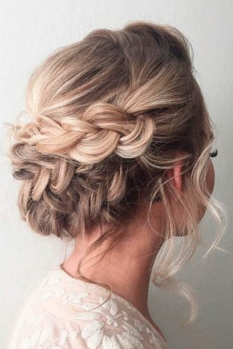 Nice Updos for Delicate Prom Look picture 6