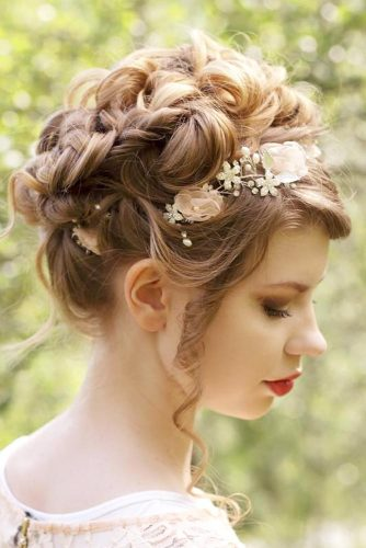 Hairstyles That Will Make You the Belle of the Ball picture5