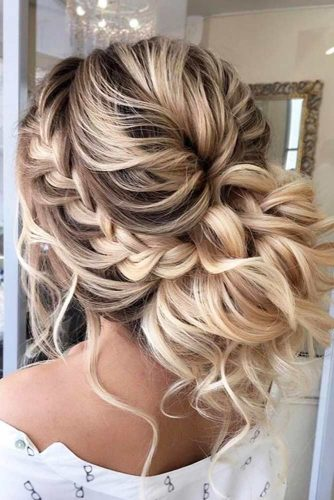 Nice Updos for Delicate Prom Look picture1
