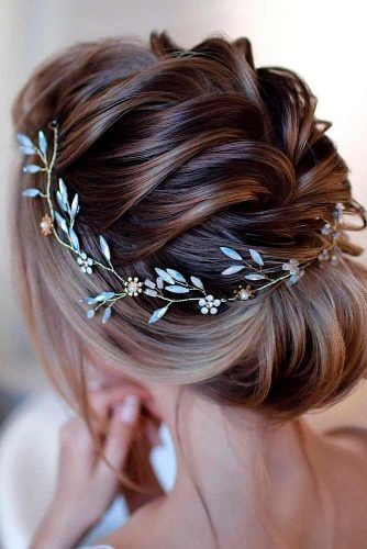 Elegant Updo With Accessory #accessoryhairtyles #lowbunhairstyles