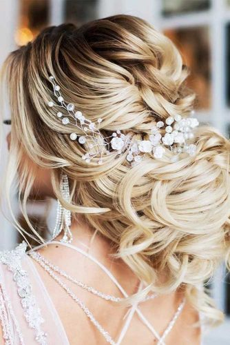 Hairstyles That Will Make You the Belle of the Ball picture4