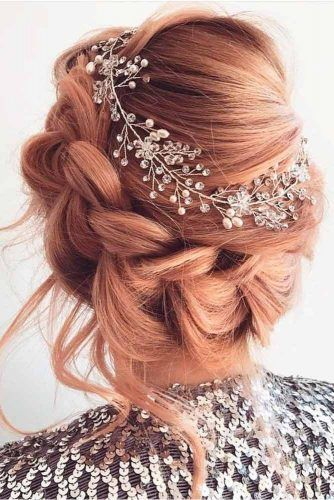 Side Braided Updo With Accessory #sidebarid #accessoryhairstyles