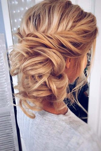 Chic Look with Messy Updo Hairstyles picture 3