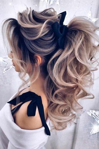 Pretty Curly Ponytail Hairstyles #curlyhair #ponytailhairstyles