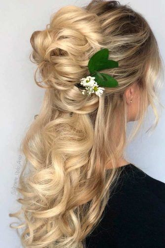 Twisted Top Knot Half-Up #blondehair #topknot