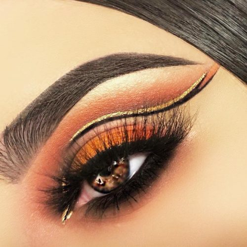 Double Eylener With Soft Smokey Style #doubleeyeliner #goldglitter