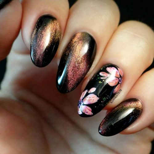 Lovely Graduation Nail Desings picture3