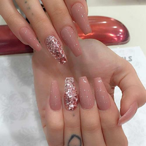 Glitter Accents For Graduation Nails To Inspire You picture4