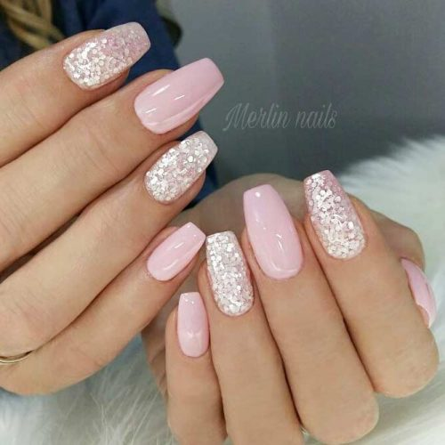 Glitter Accents For Graduation Nails To Inspire You picture1