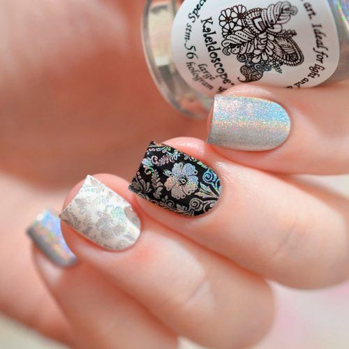 Holographic Nails With Floral Pattern #holonails #floralnails