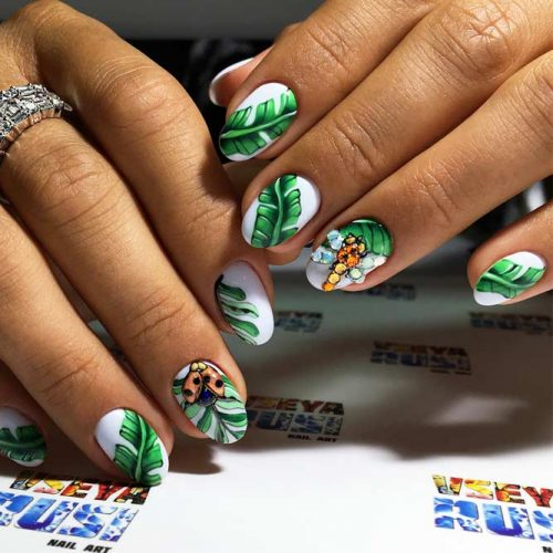 Nature Inspired Graduation Nail Arts picture2