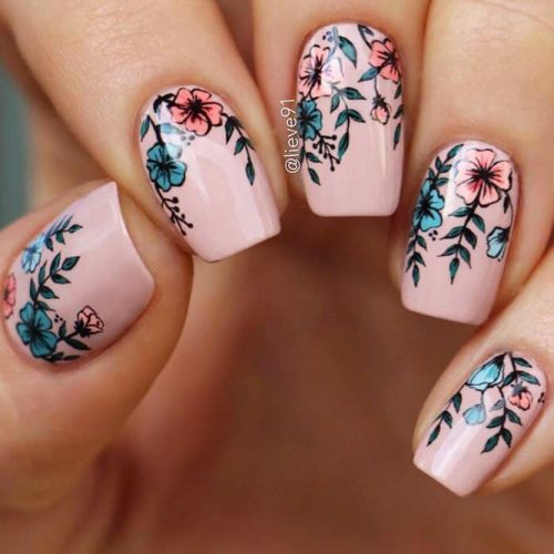 Lovely Graduation Nail Desings picture1