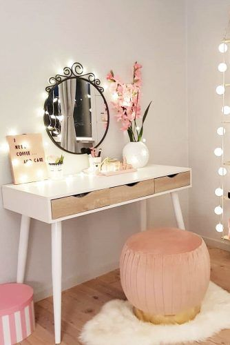 Small Vanity Table With String Lights #stringlights