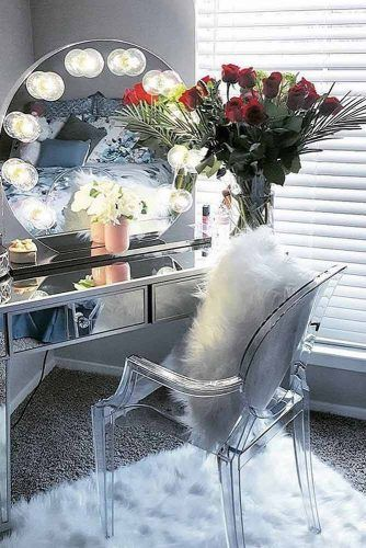 Modern Mirrored Table With Round Bubble Lights #bubblelights
