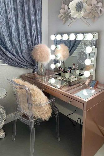 Modern Vanity Table With Plastic Chair #furaccent