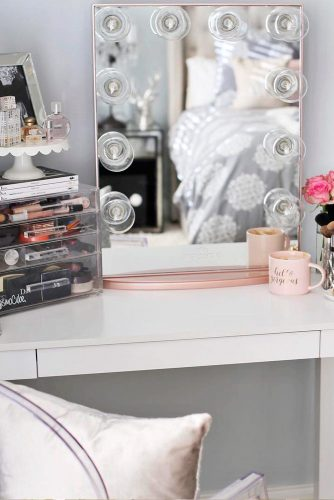 Makeup Vanity Table You'll Love picture 2