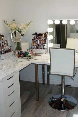 Makeup Vanity Table You'll Love picture 4