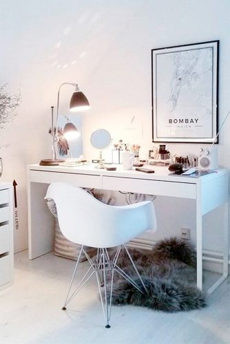 Bright Ideas for Your Makeup Vanity Table picture 1