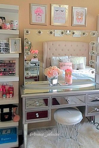 Bright Ideas for Your Makeup Vanity Table picture 5