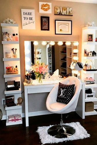 24 Minimalist Makeup Vanity With Shelves For Beauty Organization #whiteshelves