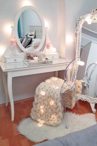 Elegant And Beautiful Makeup Vanity Table Designs picture 6