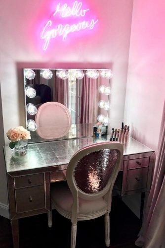 Glam Vanity Table Design #glitterchair #pinklights