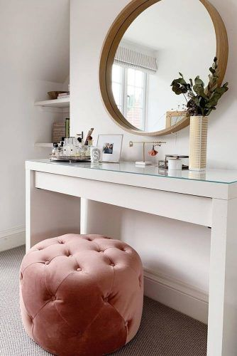 Modern Makeup Vanity Table With Round Mirror #pinkpaddedstool