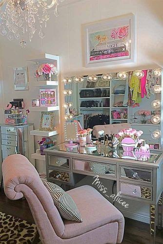 Glossy Makeup Vanity Table With Pink Classy Chair#pinkchair
