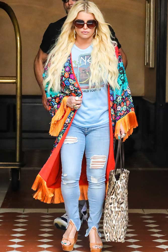 Ripped Jeans With Colorful Cardigan Outfit #jessicasimpson #rippedjeans