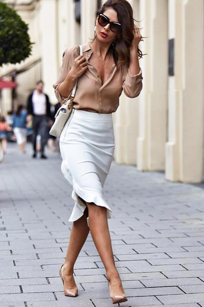 Cool Idea For Casual Work Outfits #workoutfit #whiteskirt
