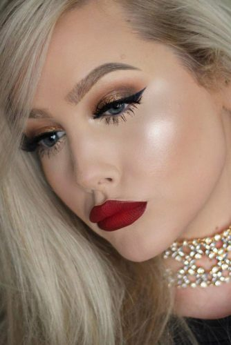 Red Lipstick Looks for Girls with Blonde Hair picture 4