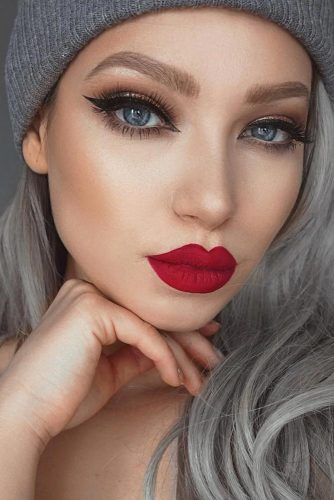 Red Lipstick Looks for Girls with Blonde Hair picture 3