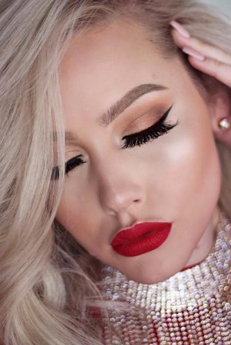 Sexy Makeup with Red Lipstick picture 4