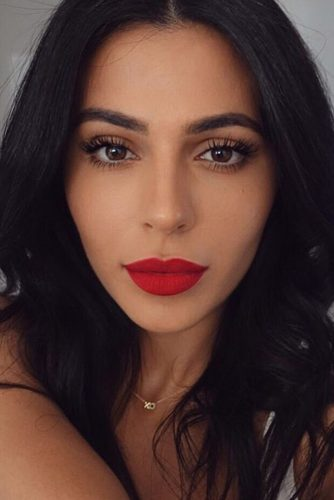 Sexy Makeup with Red Lipstick picture 3