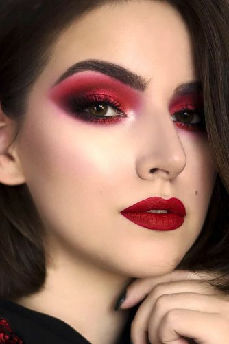 Vivid Red Lipstick Shade For Fair Skin Tone #fairskin #redlipstick