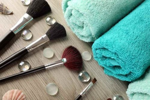 How To Clean Your Makeup Brushes Properly At Home