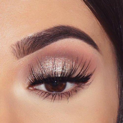 Shimmer Shadows With Black Eyeliner #shimmershadow #blackeyeliner