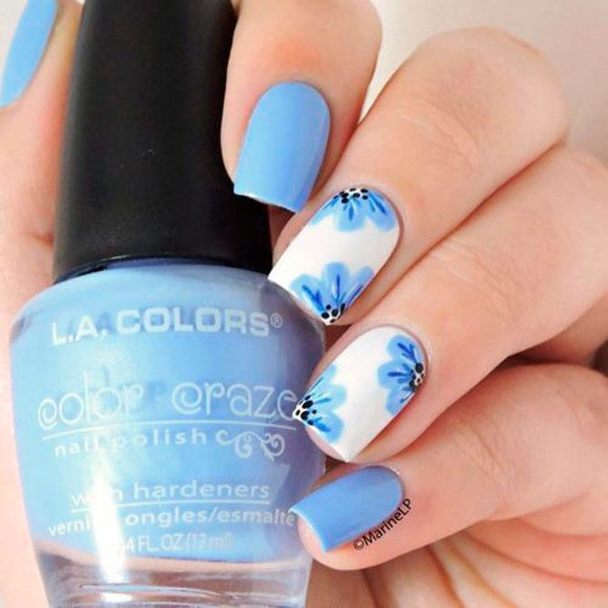 Blue Flowers Nail Art #bluenails #flowernails