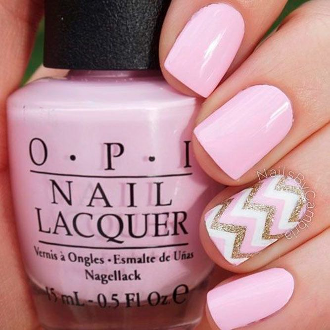Pink Nails With Glitter Chevron Pattern #chevronnails #glitternails #pinknails