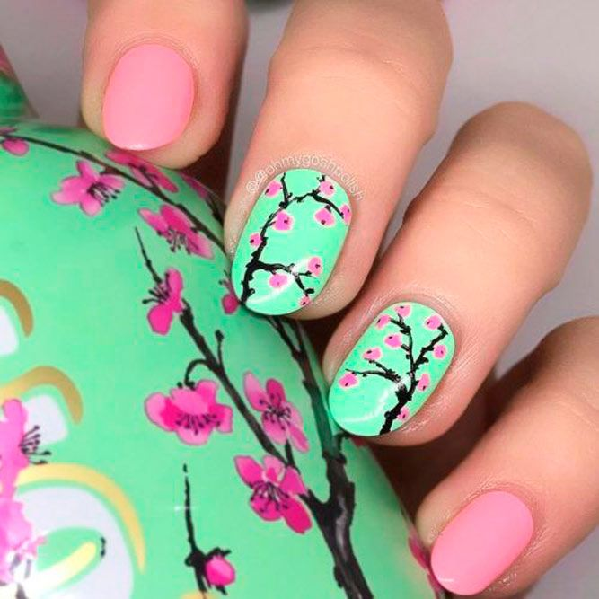 Sakura Bloom Nail Art #flowersnails #roundednails