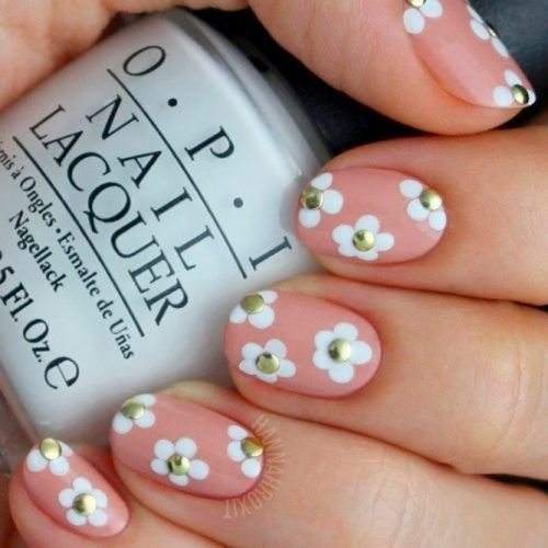 Nude Nails With Easy Flower Art #nudenails #flowersnails