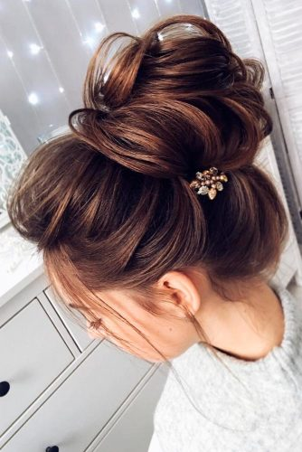 Classic Wedding Updo Hairstyles picture 3
