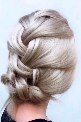 Braided Knot For Summer Days #quickhairstyles #braidedhairstyles #mediumlengthhair