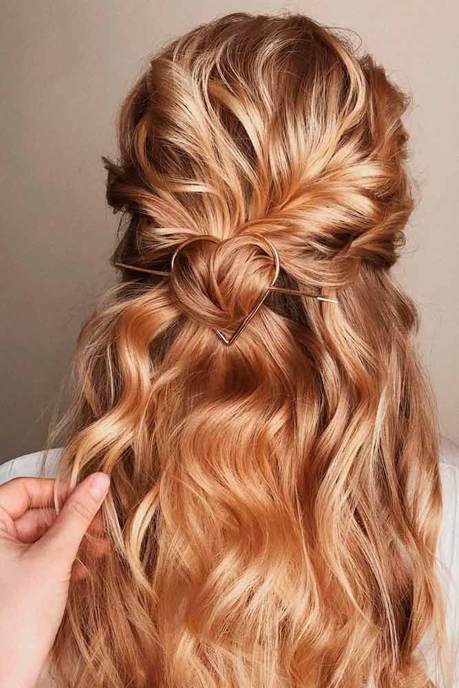 Wavy Twisted Half-Up #blondehair #wavyhair