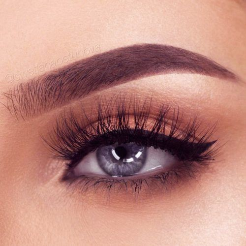 Nude Shadow With Black Eyeliner Eyes Makeup #nudeshadow #blackeyeliner