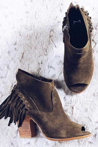Stylish Casual Shoes You Need Right Now picture 2