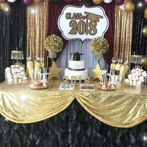 Black And Gold Table Decorations #graduationcake