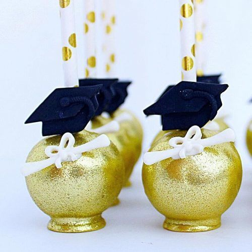 Graduation Cake Pops #cakepops